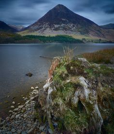 The magnificent Grasmoor from the shores of Crummock Water (OC) (3182x3743)   @RicardoHougham