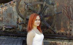 Supernainen: Ihmissuhdetaitoja opettava Karla Nieminen muuttaa ihmisten elämiä parempaan suuntaan