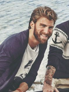 Like that anchor sweater Brown Hair Streaks, Blonde Guys, Blonde Beards, Gentleman, Anchor Sweater, Gents Fashion, Male Fashion, Perfect Beard, Surfer
