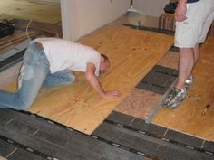 How To Level A Plywood Or Osb Subfloor Using Asphalt Shingles Construction Felt Wood Floors Wide Plank Diy Flooring Osb
