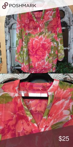 Isaac Mizrahi Floral Tunic Floral tunic that has been gently worn. It's such a beautiful piece, but I just don't wear it enough. Pairs great with white, green pants, or jeans! Isaac Mizrahi Tops Blouses