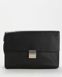 Louis Vuitton Taiga Clutch