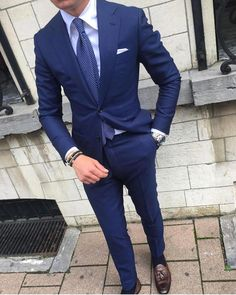mens suits Modern -- Click Visit link to see Gents Suits, Suit Combinations, Men With Street Style, Herren Outfit, Mens Fashion Suits, Men's Fashion, Fashion Boots, Formal Suits, Mens Style Guide