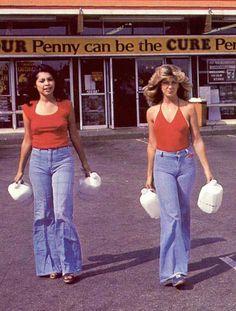 Le Fashion Blog 1970s 70s Street Style Vintage Photos Halter Top Wide Leg Flared Jeans Bell Bottoms Denim Via Tres Blase