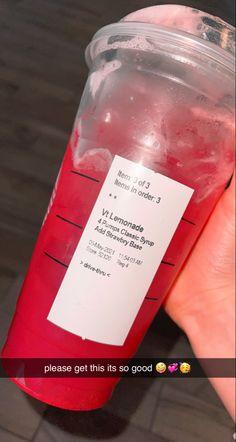 Cold Starbucks Drinks, Bebidas Do Starbucks, Healthy Starbucks, Starbucks Secret Menu Items, Secret Starbucks Recipes, How To Order Starbucks, Yummy Smoothie Recipes, Smoothie Drinks, Yummy Drinks