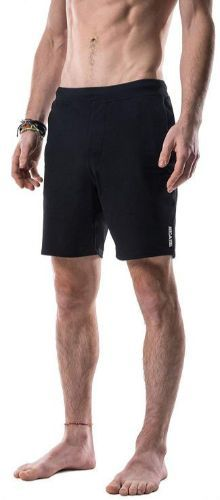 We have come up with the best yoga shorts for men that help to improve performance and keep you comfortable at the same time. Yoga Shorts, Running Shorts, Workout Shorts, Yoga For Men, Yoga Fashion, Hot Yoga, Range Of Motion, Cross Training, Fun Workouts