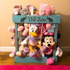 Easy Toy Storage Stuffed Animal Zoo New Ideas Diy Toy Box, Diy Toy Storage, Diy Box, Toy Boxes, Storage Ideas, Storage Baskets, Food Storage, Stuffed Animal Holder, Stuffed Animal Storage