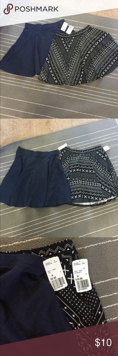 💐BUNDLE! Navy blue and B&W Print skater skirts A pair of skater skirts! One is navy blue and the other is black and white print. Original price is pictured. Selling them as a pair! Both for $10 or best offer! YOU CANT LET THIS DEAL GO! 😀 Forever 21 Skirts Circle & Skater