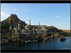 Mount Prometheus Tokyo Disney Sea, Coaster, Disneyland, Opera House, Park, Travel, Viajes, Drink Coasters, Disney Land