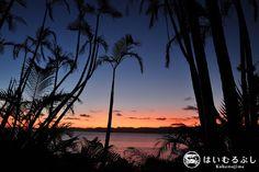 本日の八重山諸島は晴天です。  夕方には西表島に沈む綺麗な夕景が望めそうです。  皆さんサンセット広場でお楽しみください。