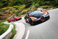 Bugatti Veyron Vitesse vs Pagani Huayra (Video)