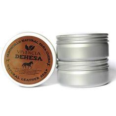 Jaboncillo para cuidado natural del cuero. Limpia e hidrata las mejores piezas. http://www.vivenciadehesa.es/cuidado-natural-del-cuero/
