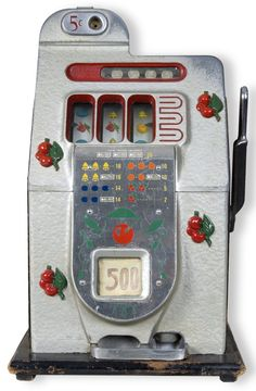 slot machine 4 decks of 52 cards Aces are worth 1 or 11 points… Modern Country, Vintage Pictures, Vintage Images, Diego Bustamante, Game Design, Vintage Slot Machines, Machine Image, Machine Video, Hot Rods