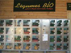 Eine tolle Idee, wenn man es nicht zum Markt schafft: mehrmals täglich frisch vom Biobauern aufgefüllt: Der Bio- Gemüseautomat im Gers.  Des légumes bio en distribution automatique dans le Gers