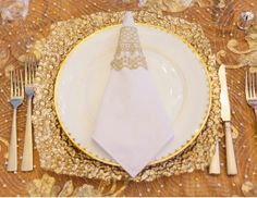 Winter Wedding Place Setting #wedding #winterwedding