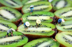 Miniature People Little people on FOOD