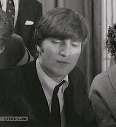 post-29396-John-Lennon-wine-coffee-gif-dr-XEKY.gif