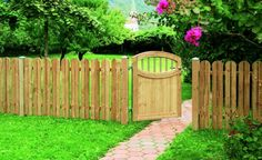 Gard potrivit pentru gradina, realizat din scanduri