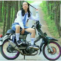 Cute Indonesian school girl With motorcycle Lady Biker, Biker Girl, All Girls School, School Uniform Outfits, Indonesian Girls, Scooter Girl, Stylish Girl Pic, Girl Hijab, Girl Fashion