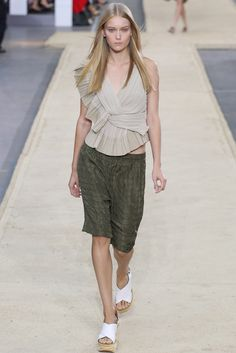 Chloé Spring 2014 Ready-to-Wear Fashion Show - Katya Riabinkina (Elite)