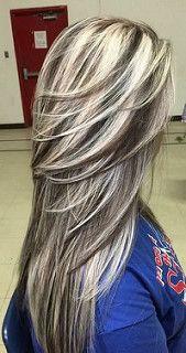 New grey hair color highlights haircolor ideas Brown Hair With Blonde Highlights, Hair Color Highlights, Highlights With Lowlights, Blonde Hair Purple Roots, Platinum Highlights, Chunky Highlights, Caramel Highlights, Balayage Highlights, Light Blonde