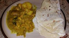 Fijian Chicken Curry Recipe - Yummy this dish is very delicous. Let's make Fijian Chicken Curry in your home! Lunchbox Kids, Fijian Food, Indian Food Recipes, Ethnic Recipes, Fijian Recipes, Jamaican Recipes, Jamaican Dishes, Roti Recipe, Cubed Potatoes