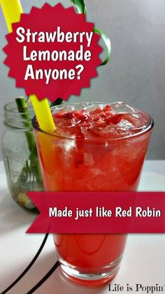 Strawberry Lemonade Just Like Red Robin! With just the right amount of tang a. - Strawberry Lemonade Just Like Red Robin! With just the right amount of tang and sweet refreshmen - Fruit Drinks, Non Alcoholic Drinks, Healthy Drinks, Beverages, Drinks Alcohol, Party Drinks, Smoothies, Smoothie Drinks, Licor Baileys