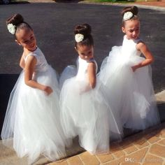 Long Kids Formal With Lace Flower Girls  Dresses 2016 Cute Little White  Girls Pageant Girl Bridesmaid Dress Ball Gowns For Party Wedding 2016  Pageant ... 3a8f54c17e