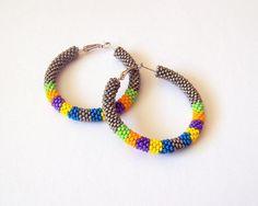 Beaded hoop earrings in grey and neon colors - Beadwork earrings - beaded jewelry - seed beads earrings - Geometric pattern earrings