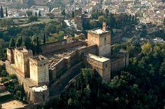 La Alcazaba de la Alhambra desde el aire.