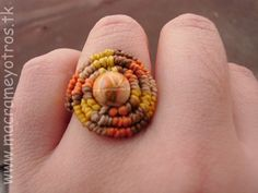 Macrame y Otros: Anillo de Macrame Tonos Fuego Macrame Rings, Macrame Jewelry, Macrame Bracelets, Jewlery, Braided Bracelets, Friendship Bracelets, Crochet Rings, Micro Macramé, Macrame Tutorial