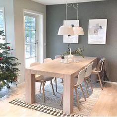 Lekkert som alltid hos @moniithe ✨✨ Nye fine lamper over spisebordet har hun også fått seg! 😍 Vi har Ambit lampene på lager i alle farger. Husk at disse øker med 25 % i pris over nytt år 😘 Så kanskje det kan være lurt å slå til nå 💛 #mittnordiskehjem #diningroom #ambitlamp #inspo #interior #nettbutikk Home Interior Design, Interior Design, House Interior, Dining Room Furniture Modern, Living Room Arrangements, Dining Room Small, Dining Room Furniture, Dinning Room Decor, Wood Dining Room Table