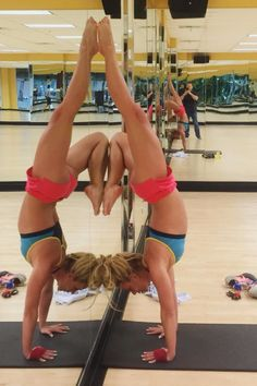 We know Britney Spears is super talented when it comes to singing and dancing, but did you also know she's an amazingly strong yogi? Check out these Instagram photos of all her amazing (advanced) yoga poses including Forearm Stand and Handstand.
