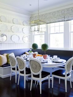 Exceptionnel Built In Bench, Plenty Of Seating. Banquette DiningDining NookDining ...