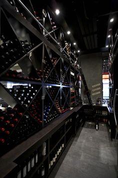 Le cellier du restaurant Paris Grill
