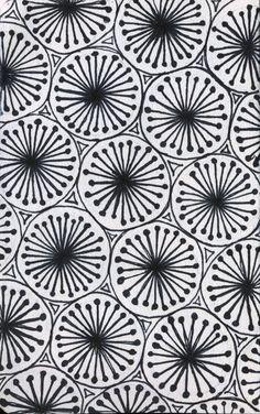 "lauren-salgado: ""They're kinda like snowflakes, or little starbursts. Drawn in pen, within a 3 x 6 inch sketchbook. Zentangle Drawings, Doodles Zentangles, Doodle Drawings, Tangle Doodle, Zen Doodle, Doodle Art, Zantangle Art, Zen Art, Doodle Patterns"