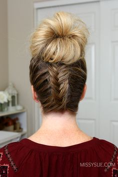 I always love creating these themed tutorials and todays features 3 fishtail braid hairstyles. These hairstyles are all casual enough for wearing everyday which is the type of style that gets requested the most. With a combination of a low bun, high bun, Short Wedge Hairstyles, Fishtail Braid Hairstyles, Girls Short Haircuts, Layered Bob Hairstyles, Bun Hairstyles For Long Hair, Short Hair Styles, Beautiful Hairstyles, Messy Bun With Braid, Messy Fishtail