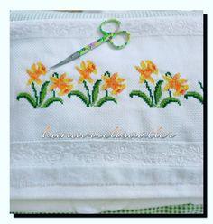 Small Cross Stitch, Cross Stitch Borders, Amazing Flowers, Diy And Crafts, Instagram Posts, Pattern, Handmade, Bath Towels & Washcloths, Cross Stitch Patterns