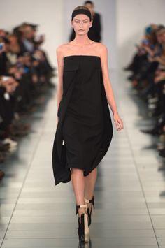 Maison Martin Margiela haute couture summer 2015. John Galliano is back! #runway #girl #model #hautecouture #fashion #style