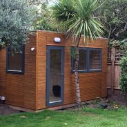 This Linea garden office is a unique contemporary design with no roof overhang,situate close to a boundary to maximise space. Fully insulated outdoor office, electrical packages available. Outdoor Office, Backyard Office, Outdoor Living, Small Garden Office, Garden Cabins, Back Garden Design, Portable House, Contemporary Garden, House Extensions
