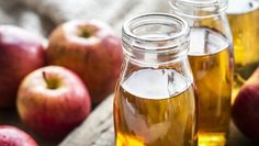 Apple cider vinegar (ACV) is suggested by a few natural remedies websites for acne treatment. They claim that Apple cider vinegar is so great for curing acne because it rebalances the natural acidity to our skin. Apple Cider Vinegar Benefits, Apple Vinegar, Vinegar Diet, White Vinegar, Candida Diet Recipes, Diabetes Recipes, Apple Health Benefits, Vinegar Weight Loss, Cleanse Diet