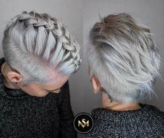 Mehr Frauen heute umarmen Ihr eigenes Gefühl von sich selbst, wenn Sie Ihr Haar zu ihrer natürlichen grauen Farbe lassen.Kurze und leichte Sorgfalt sieht gut aus bei jedem Wetter oder Anlass. Ein professioneller Schnitt macht Styling einfacher und hilft Ihnen, die Krönung zu machen. Das Ziel ist gesunde aussehende Haare, die Glanz und Klarheit haben. …