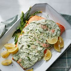Enjoy a tasty and delicious meal with your loved ones. Learn how to make Herb-and-yogurt baked whole salmon fillet & see the Smartpoints value of this great recipe. Ww Recipes, Salmon Recipes, Sauce Recipes, Fish Recipes, Seafood Recipes, Great Recipes, Cooking Recipes, Healthy Recipes, Yogurt Recipes