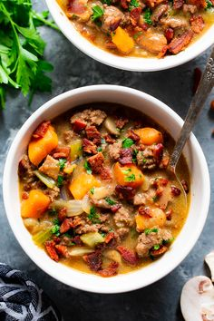 Bacon Cheeseburger Soup {Paleo This creamy cheesy bacon cheeseburger soup is cozy filing comfort food thats insanely delicious and good for you too! Packed with protein veggies and flavor this soup is also dairy-free paleo and compliant. Whole30 Soup Recipes, Cheese Burger Soup Recipes, Paleo Soup, Healthy Recipes, Healthy Food, Healthy Soups, Paleo Meals, Healthy Eating, Yummy Food