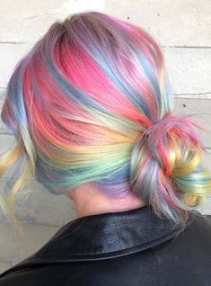 Check out the inspiring looks of rainbow and pastel hair colors combo to make your look unique and sexy. These inspirational combinations of hair colors are amazing for various hair lengths and face shapes. You just have to visit this page for latest trends of pastel highlights to use in 2018.