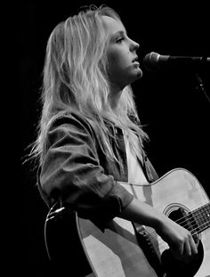 Laura Marling again.I have an unhealthy obsession with this woman. Laura Marling, Guitar Players, Photographs, Photos, Beautiful Celebrities, Pretty People, The Darkest, Singers, Musicians