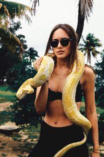 http://migashostias.blogspot.com.ar/2017/02/mujer-serpiente.html