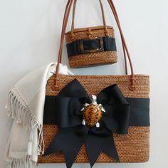 ♥ Bosom Buddy purses