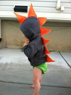 Cute dinosaur hoodie for tots and 14 other DIY halloween costume ideas for kids on www.moralfibres.co.uk