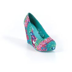 Pre-owned Desigual Wedges Size 6: Teal Women's Shoes ($41) ❤ liked on Polyvore featuring shoes, teal, teal wedge shoes, desigual shoes, wedge shoes, pre owned shoes and teal shoes